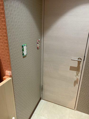 更衣室のドア